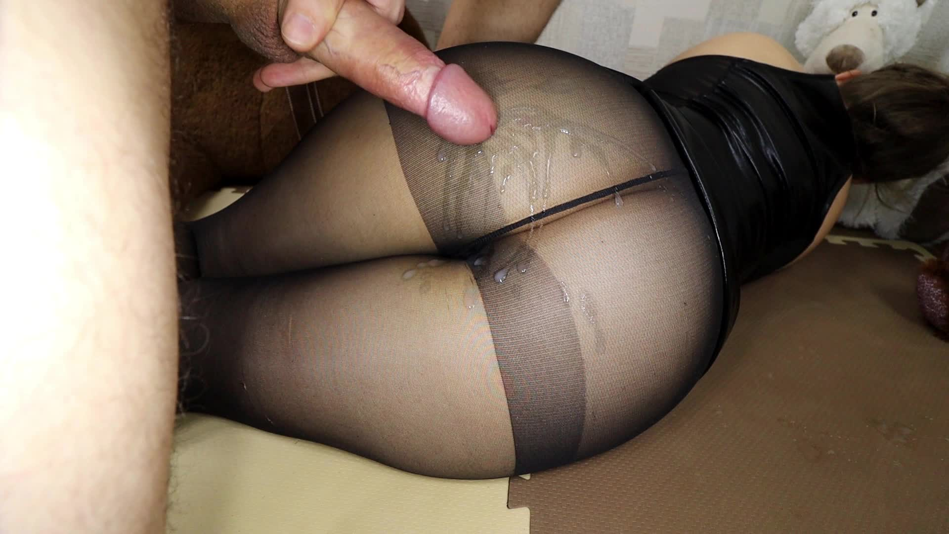 Cute jap girl on pantyhose goes live on cam