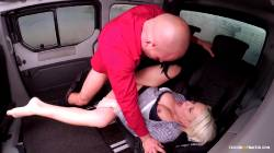 Blonde Enjoys Being Fuck And Touched Her Clit While In Car