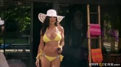 Hot Milf Lisa Ann Seduces The Pool Boy